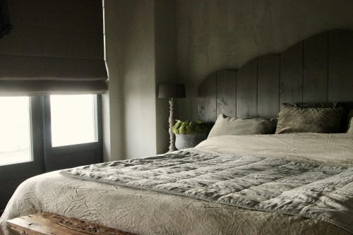 Sober slaapkamer landelijke stijl