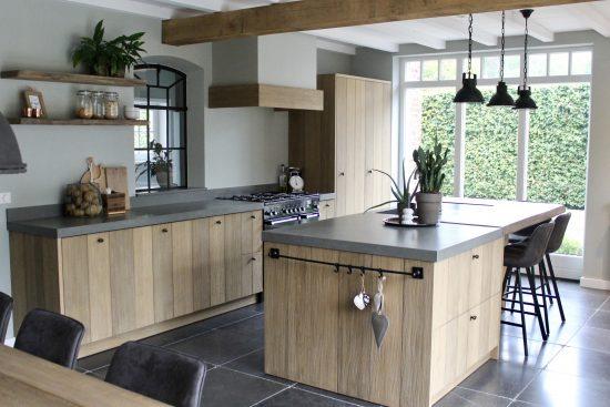 Landelijke keuken met werkeiland Belgische stijl