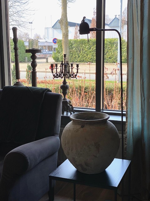 Kandelaars vensterbank leeslamp landelijke kruik